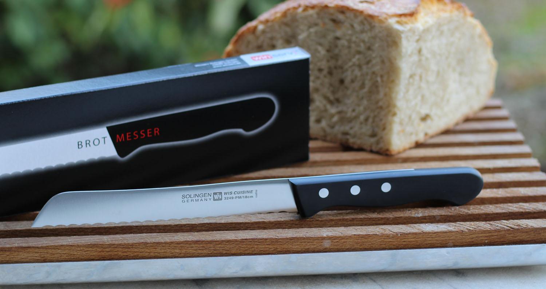 Schwarzes, rostfreies Brotmesser